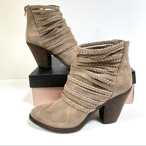 NEW Fergie 10 Wallis Bootie Doe Taupe Ankle Boot Braid Strap Back Zip Retail $80